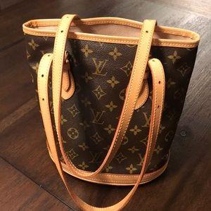 LV bucket bag pm